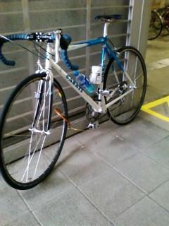 F1000025